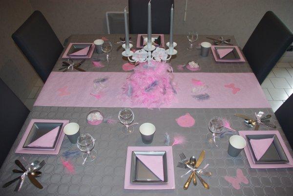 Table rose et grise deco de table de christine - Nappe fushia table ...